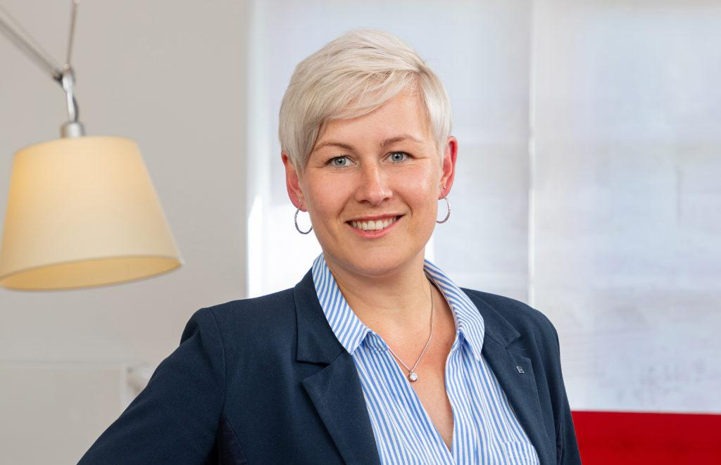 Geschäftsinhaberin Jenny Geldner - Könenkamp Immobilien