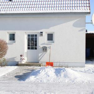 Haus Eingang mit Carport