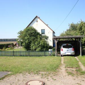Zufahrt Carport